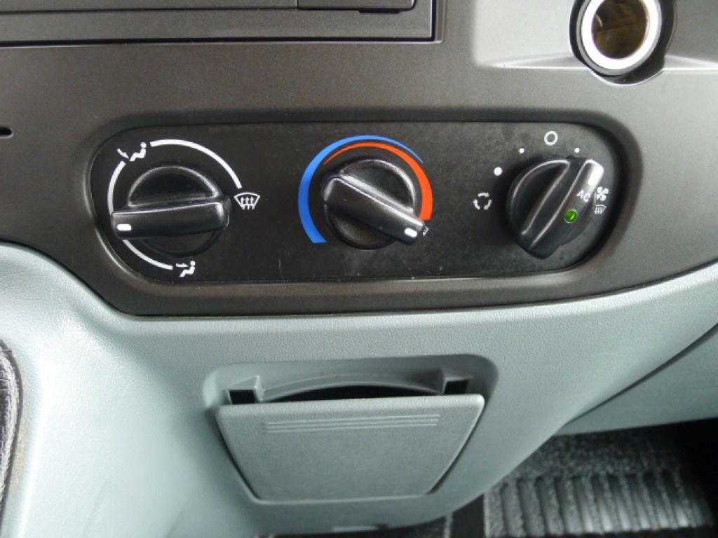 Ford Transit 300L 2,2TDCI 9míst Maxi+ klima Akce - 12