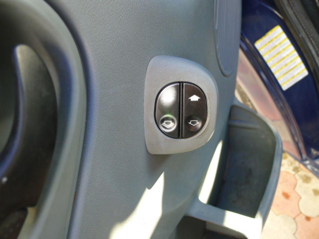 Ford Transit 300L 2,2TDCI 9míst + klima Trend Ak - 17