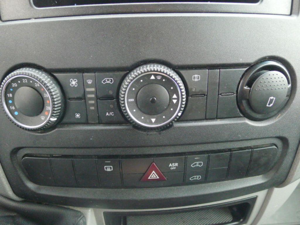 Mercedes-Benz Sprinter 211 CDI 9 Míst + Klima Akce!!! - 11