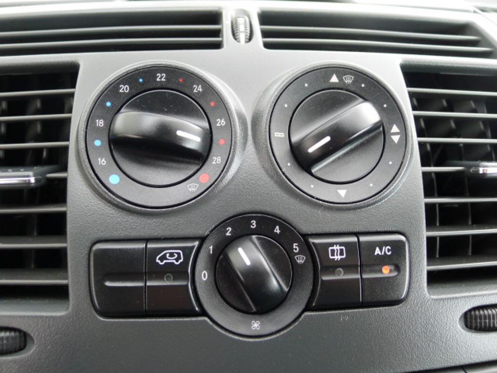 Mercedes-Benz Vito 111 CDI 5Míst+Klima long Akce!!! - 10