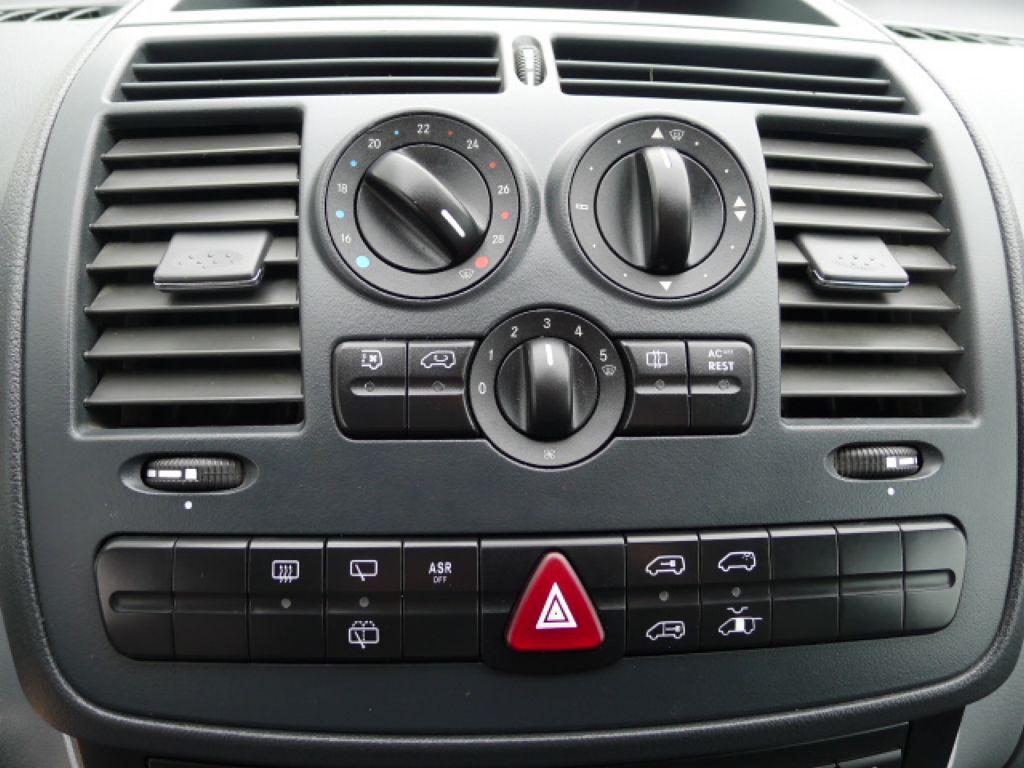 Mercedes-Benz Vito 111 CDI XL 8Míst+2xKlima Akce!!! - 10