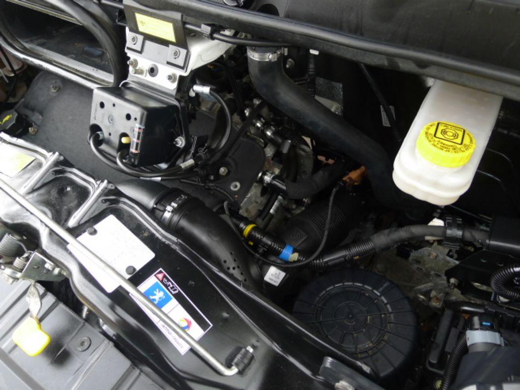 Peugeot Boxer 3,0 HDI Valník+Spaní+Klima+Webasto - 21