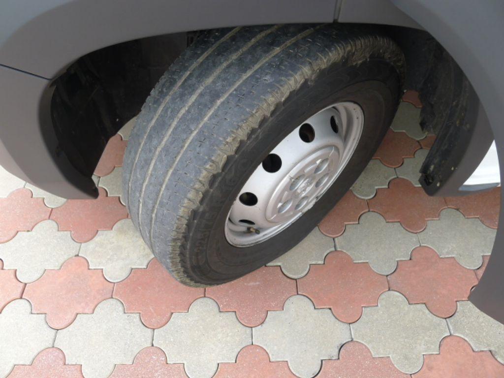 Peugeot Boxer 3,0 HDI Valník+Spaní+Klima+Webasto - 20