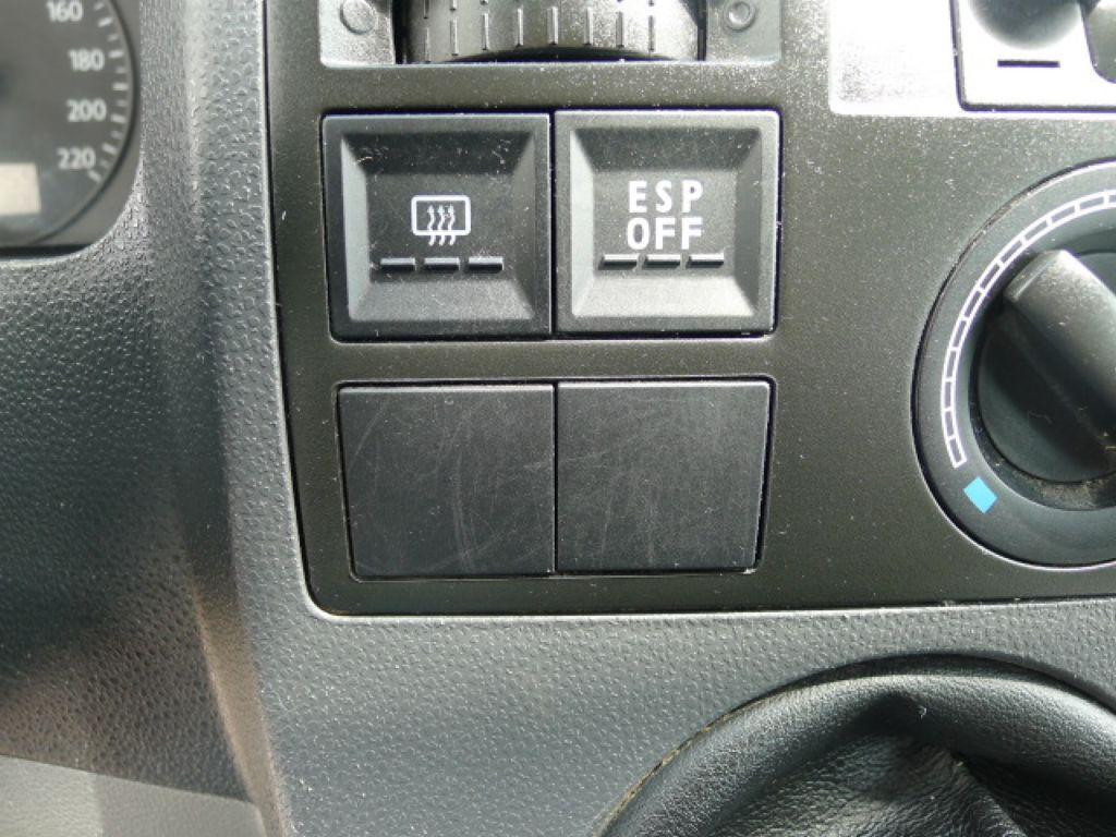 Volkswagen Transporter 1,9 TDI 8míst +klima Akce!!! - 12