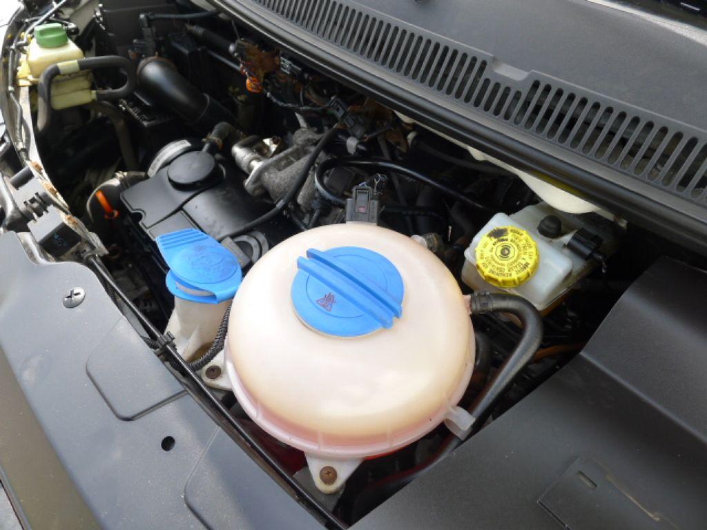 Volkswagen Transporter 1,9 TDI 8míst +klima Akce!!! - 20