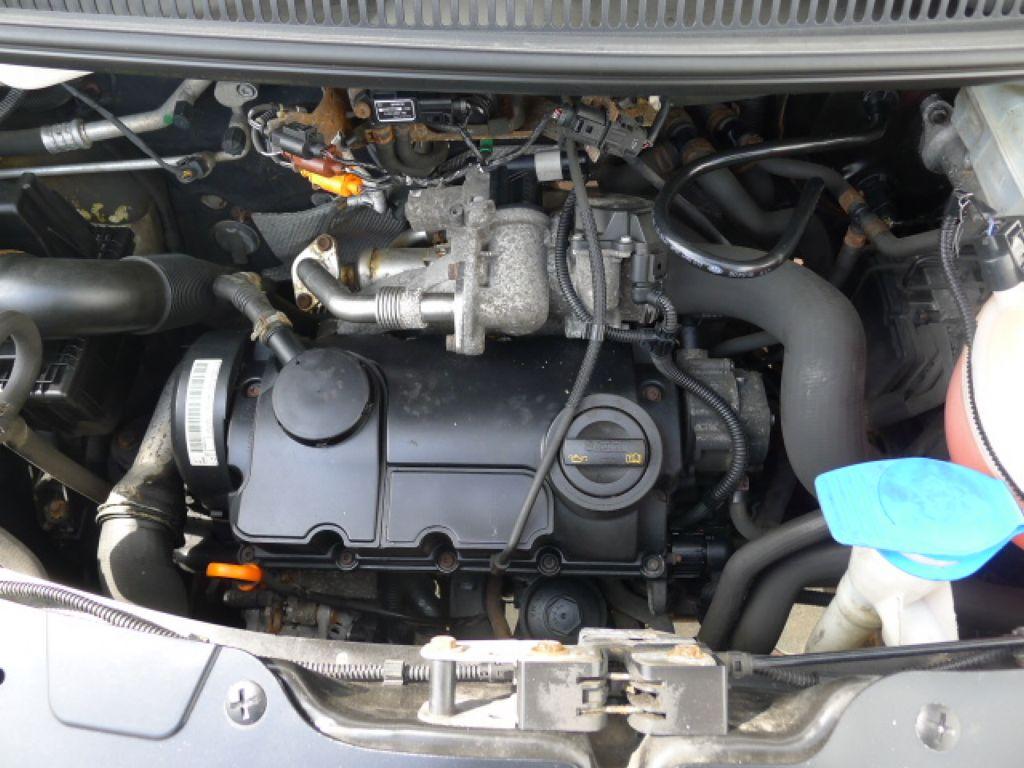 Volkswagen Transporter 1,9 TDI 8míst +klima Akce!!! - 21