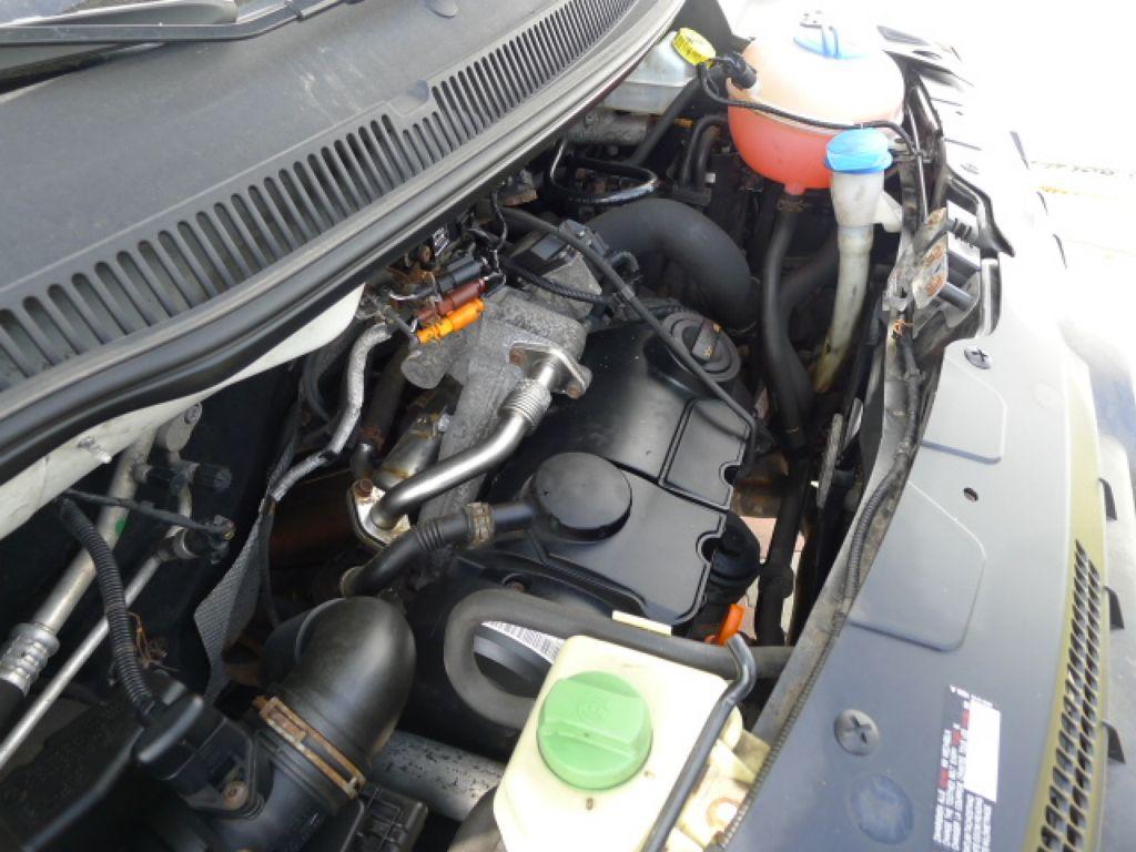 Volkswagen Transporter 1,9 TDI 8míst +klima Akce!!! - 22