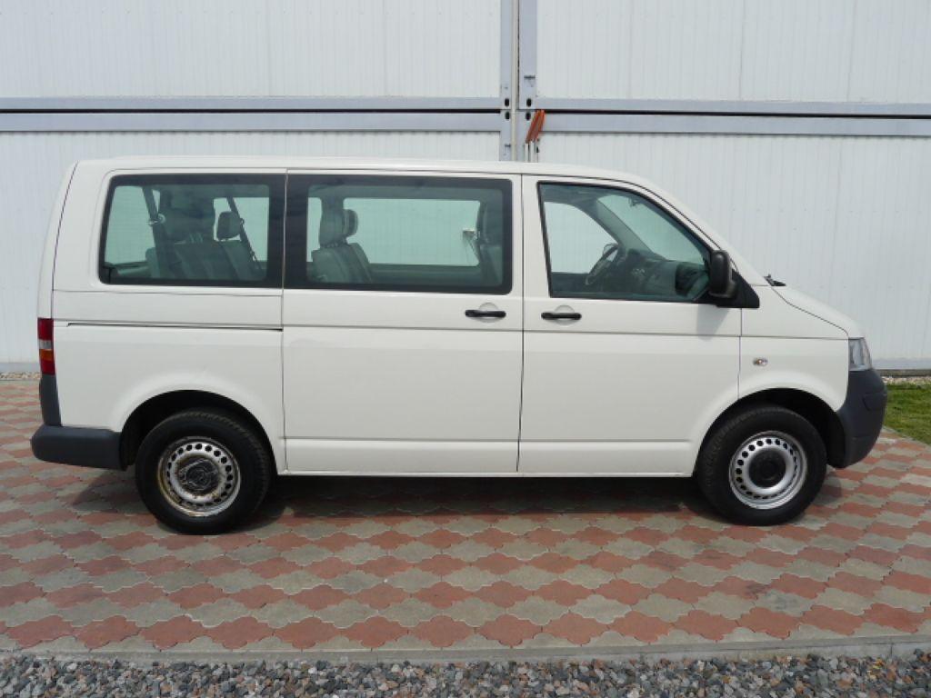 Volkswagen Transporter 1,9 TDI 8míst +klima Akce!!! - 2
