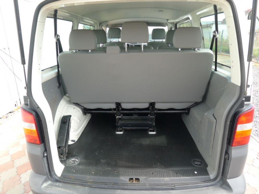 Volkswagen Transporter 1,9 TDI 8míst +klima Akce!!! - 6