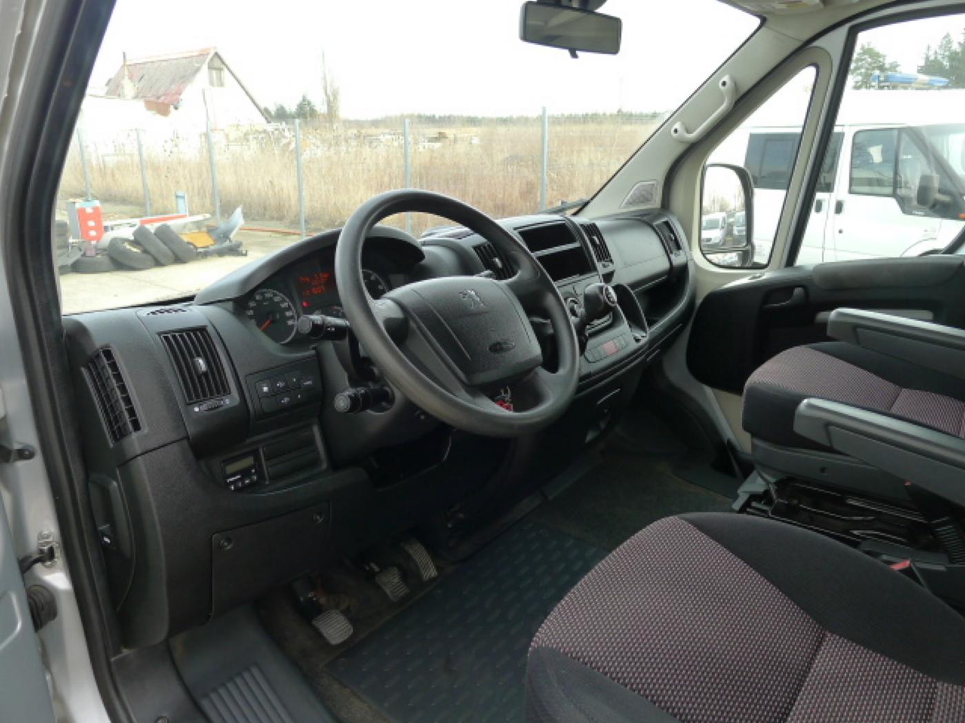 Peugeot Boxer 2,2 HDI PANORAMA 8míst+2 x klima+We - 9
