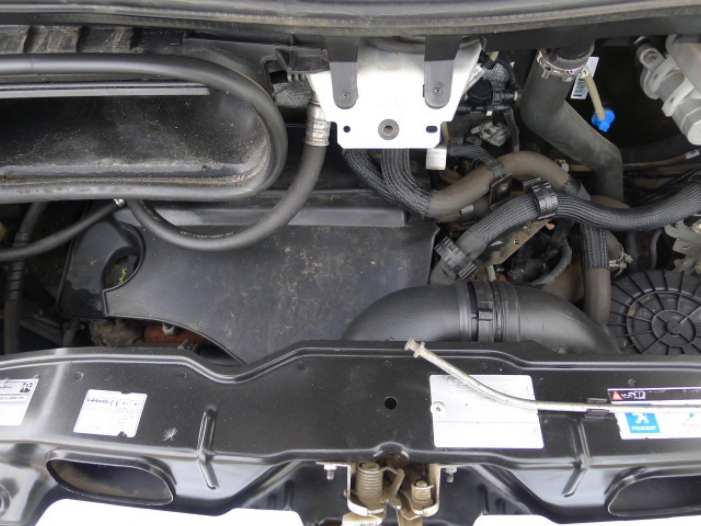Peugeot Boxer 2,2 HDI PANORAMA 8míst+2 x klima+We - 22