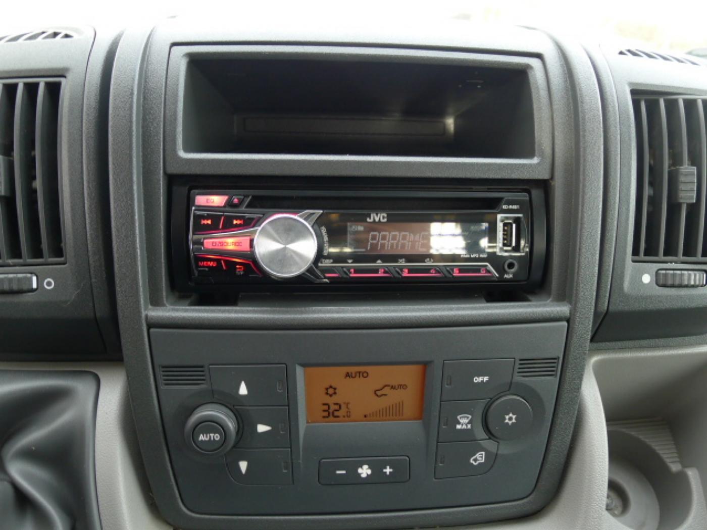 Peugeot Boxer 2,2 HDI valník + klima Akce!!! - 9