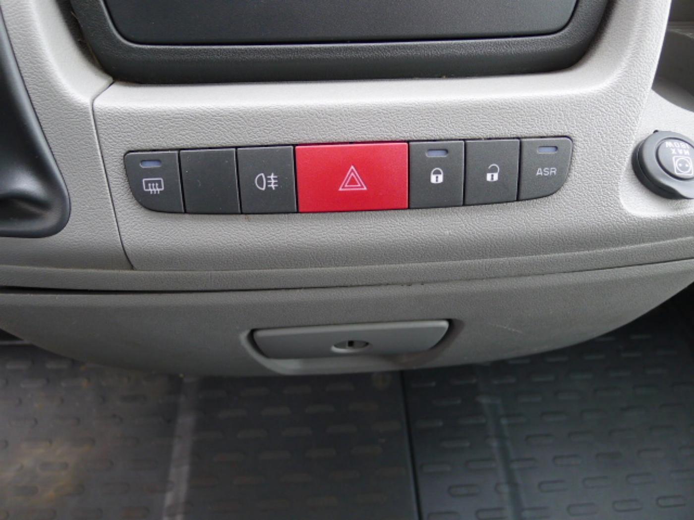 Peugeot Boxer 2,2 HDI valník + klima Akce!!! - 10