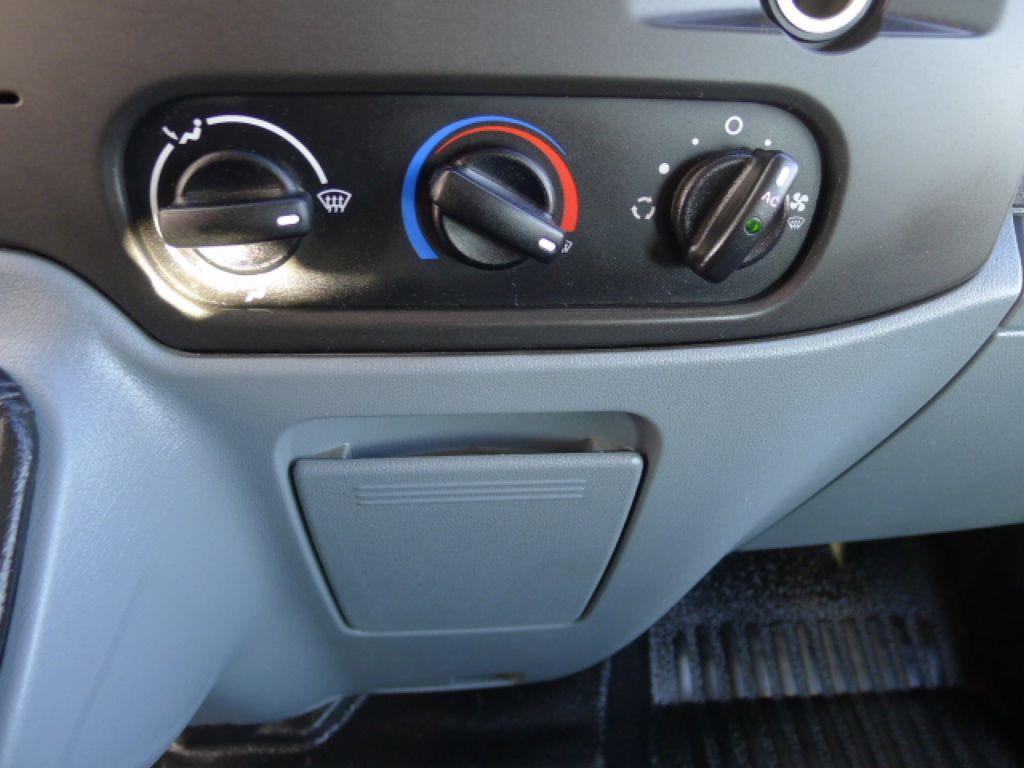 Ford Transit 350L 2,2TDCI 7míst+Klima+Webasto va - 12