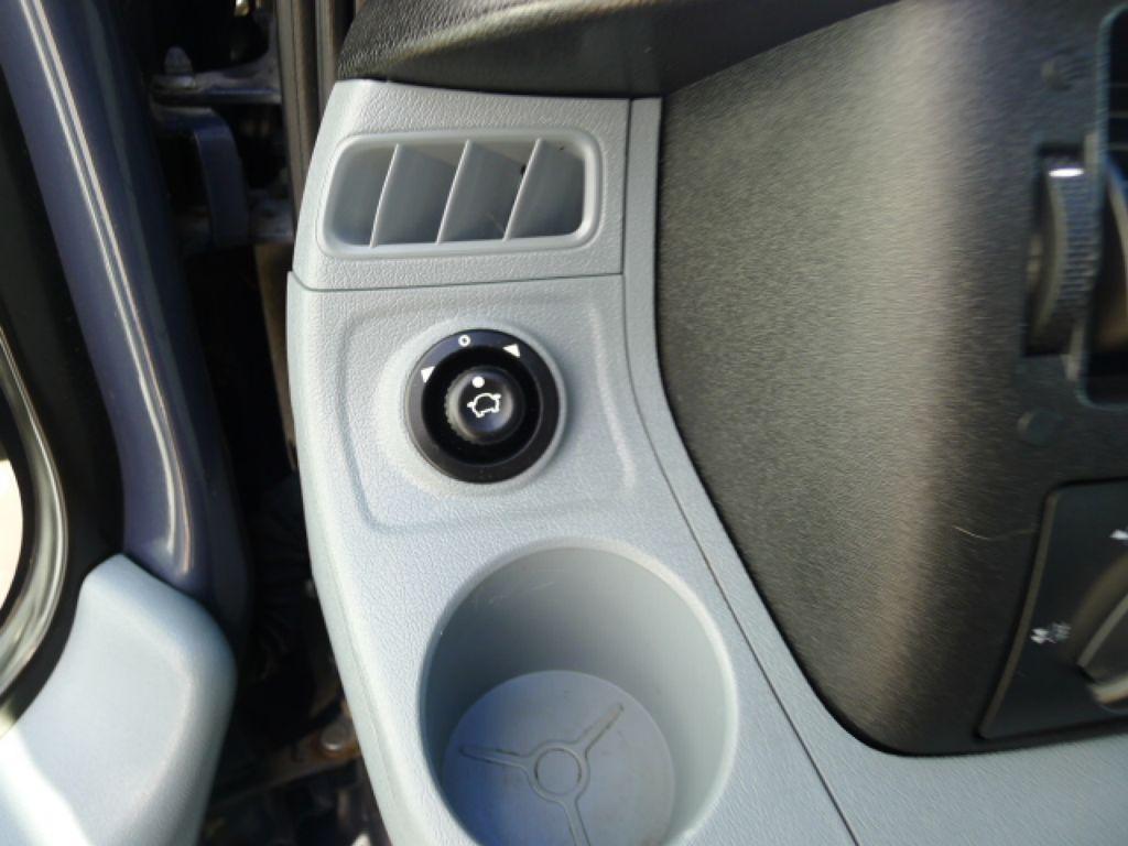 Ford Transit 350L 2,2TDCI 7míst+Klima+Webasto va - 17