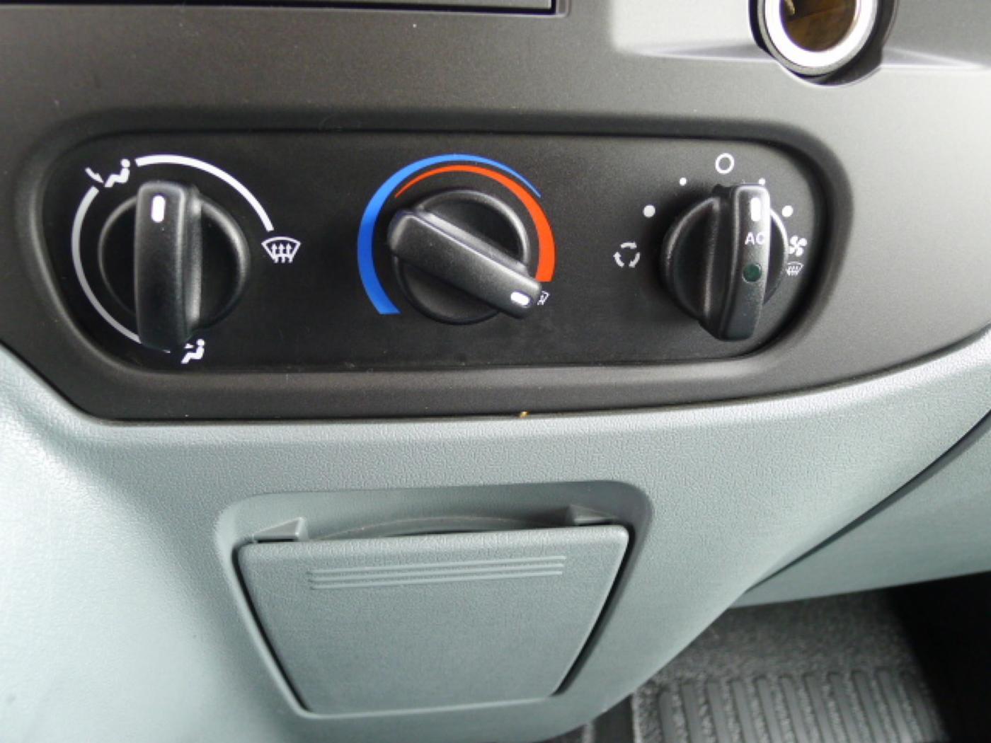Ford Transit 280 2,2TDCI 9míst+Klima Akce!!! - 11