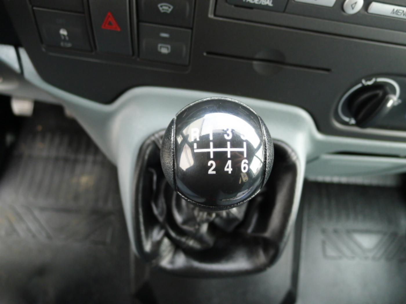 Ford Transit 280 2,2TDCI 9míst+Klima Akce!!! - 12