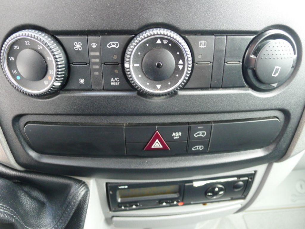 Volkswagen Crafter 2,0 TDI Maxi 6míst+Klima Akce!! - 11