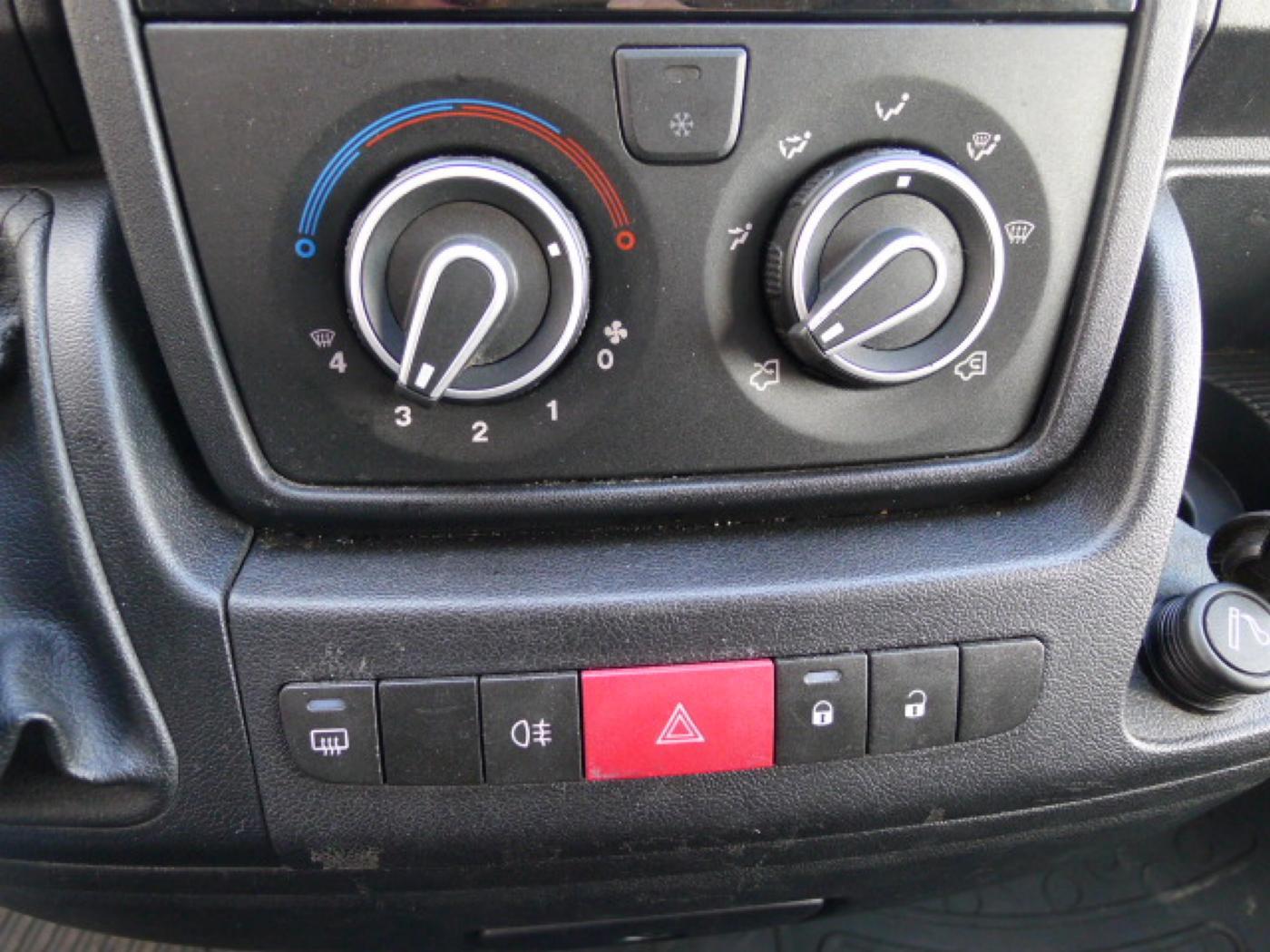 Peugeot Boxer 2,2 HDI Maxi L3H2 +Klima Akce!!! - 13