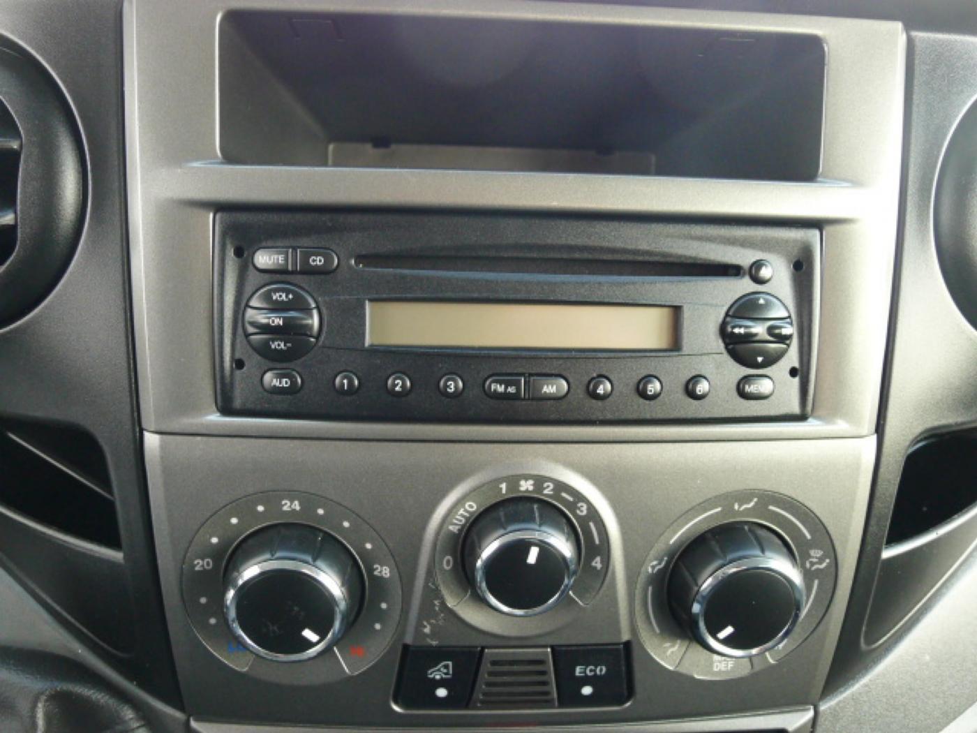 Iveco Daily 35S17 3,0HPT Maxi 6míst+Klima+Webas - 10