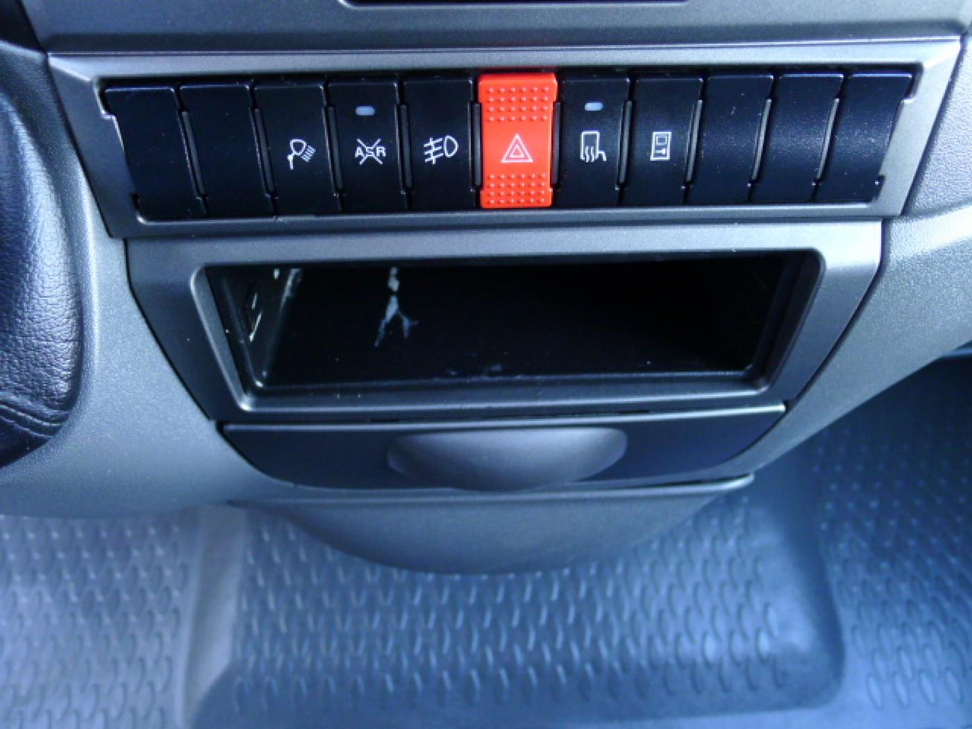 Iveco Daily 35S17 3,0HPT Maxi 6míst+Klima+Webas - 11