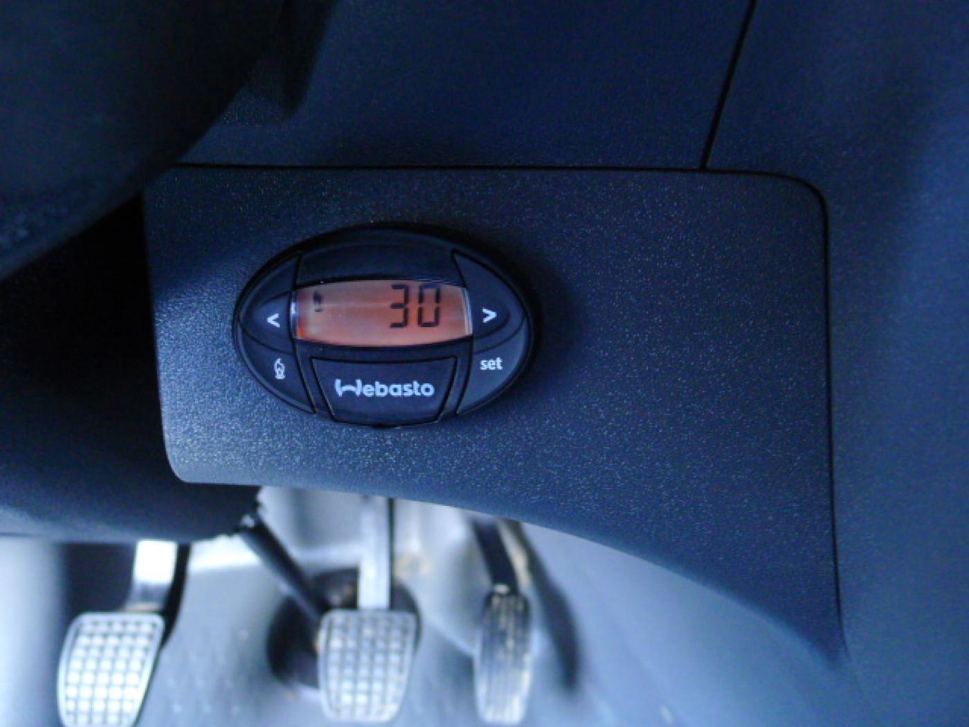 Iveco Daily 35S17 3,0HPT Maxi 6míst+Klima+Webas - 16