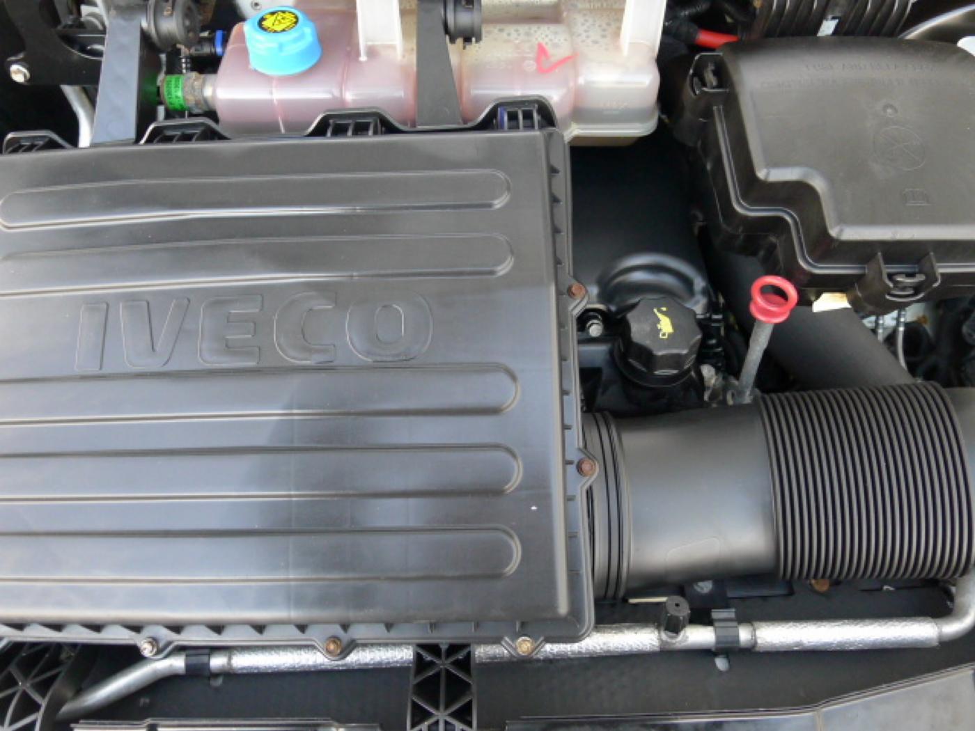 Iveco Daily 35S17 3,0HPT Maxi 6míst+Klima+Webas - 19