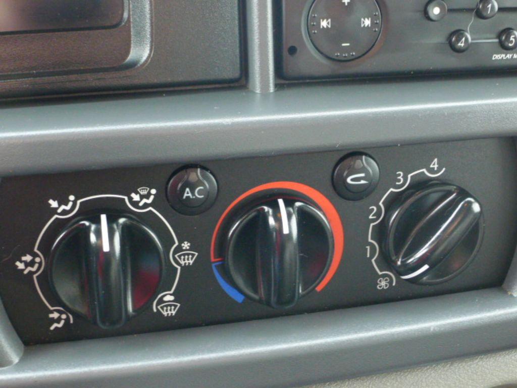 Renault Master 2,5 DCI L2H2 9míst+Klima Akce!! - 15