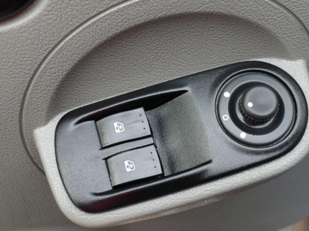 Renault Master 2,5 DCI L2H2 9míst+Klima Akce!! - 17