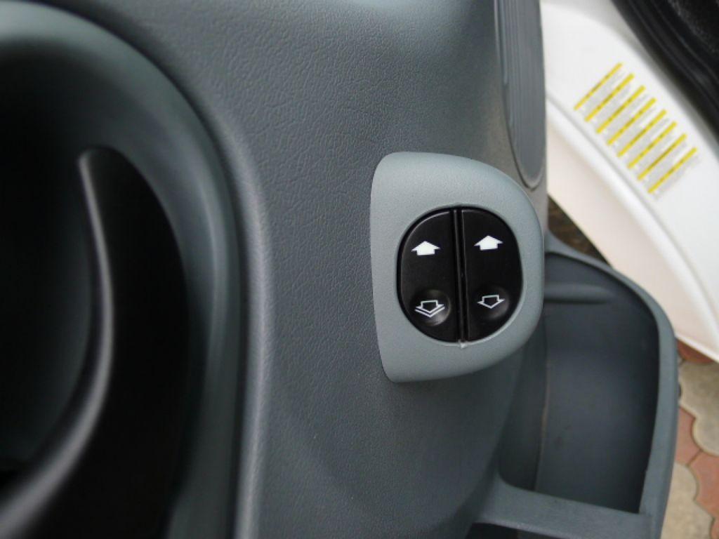 Ford Transit 350L 2,4 TDCI 6míst Maxi Jumbo Akce - 14