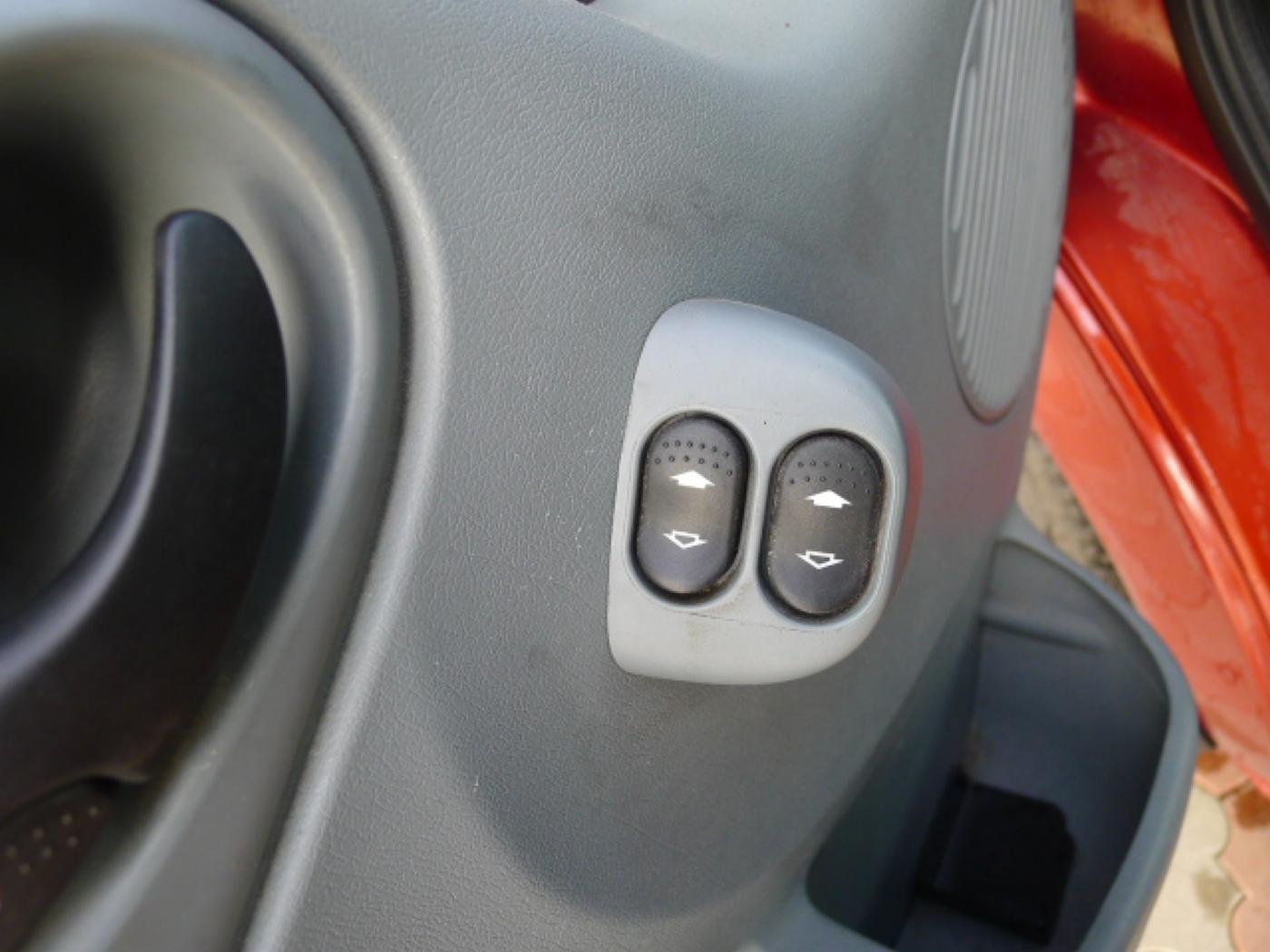 Ford Transit 260 2,2TDCI L1H1 Trend klima Akce!! - 17