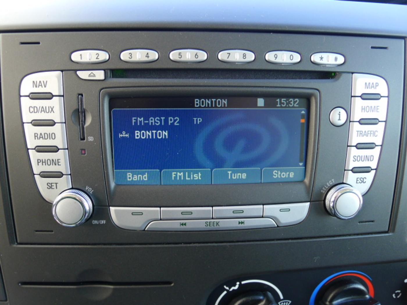 Ford Transit 350L 2,4TDCI 6míst+klima+navi Akce! - 10