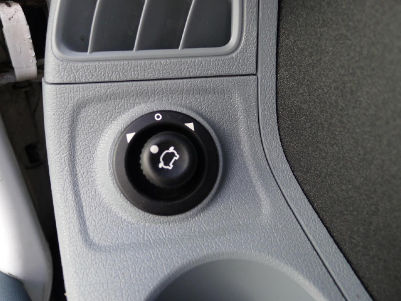 Ford Transit 350L 2,4TDCI 6míst+klima+navi Akce! - 15