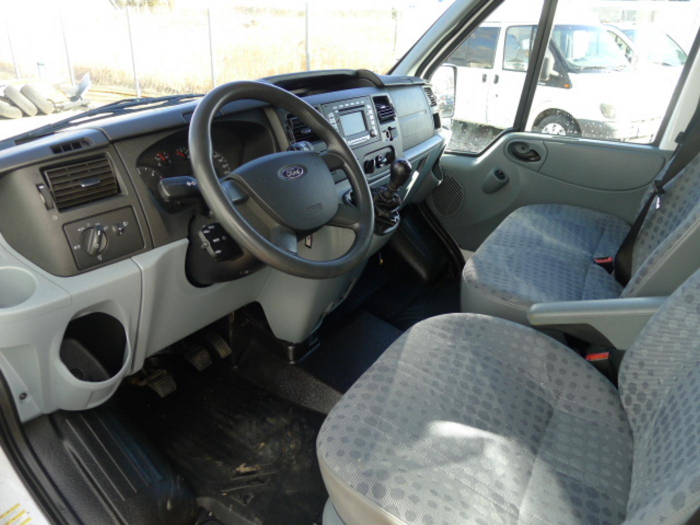 Ford Transit 350L 2,4TDCI 6míst+klima+navi Akce! - 8