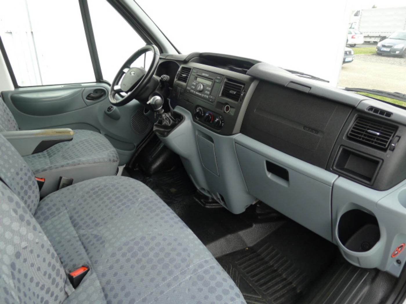 Ford Transit 300L 2,2TDCI 9míst + klima Trend Ak Novinka - 10