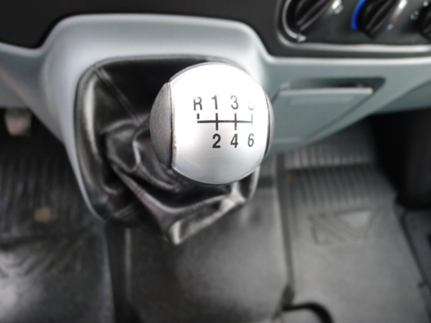 Ford Transit 300L 2,2TDCI 9míst + klima Trend Ak Novinka - 13