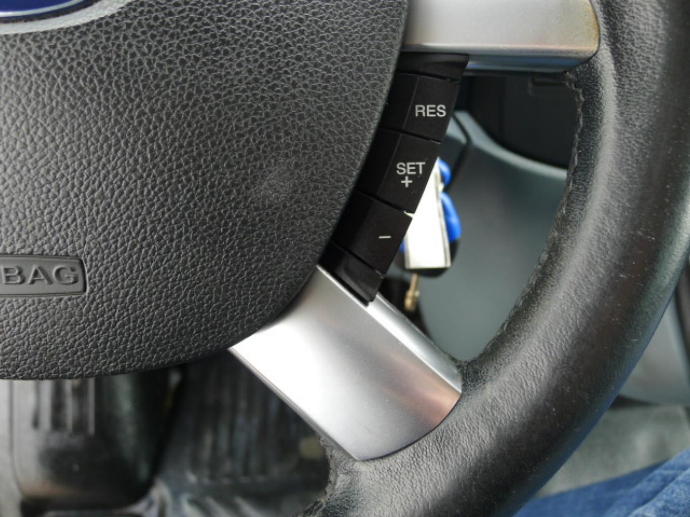 Ford Transit 300L 2,2TDCI 9míst + klima Trend Ak Novinka - 15