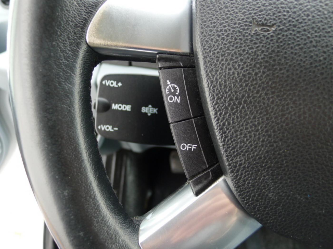 Ford Transit 300L 2,2TDCI 9míst + klima Trend Ak Novinka - 16