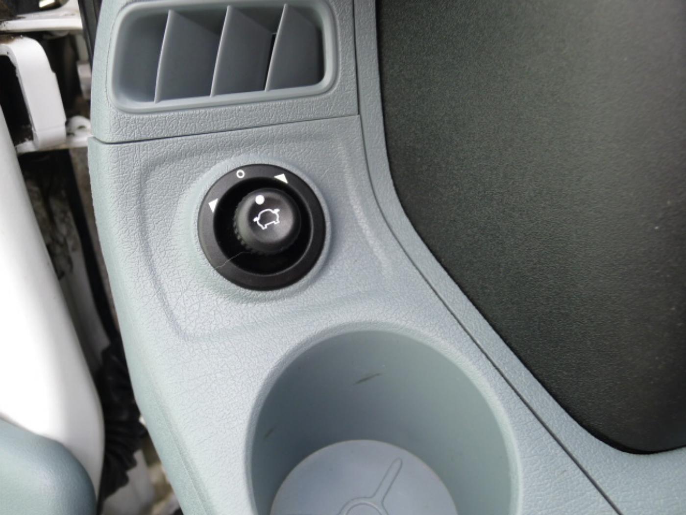 Ford Transit 300L 2,2TDCI 9míst + klima Trend Ak Novinka - 17