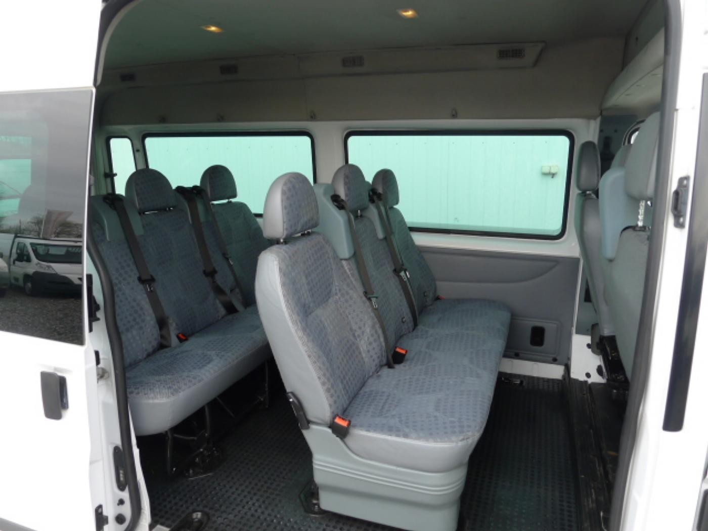 Ford Transit 300L 2,2TDCI 9míst + klima Trend Ak Novinka - 8