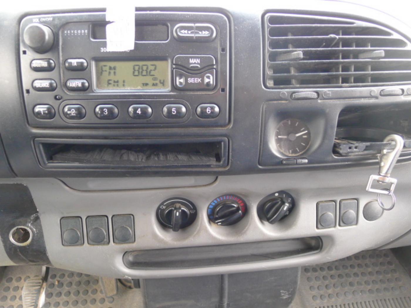 Ford Transit 2,5 TD 6míst EKO ZAPL !!! Novinka - 11