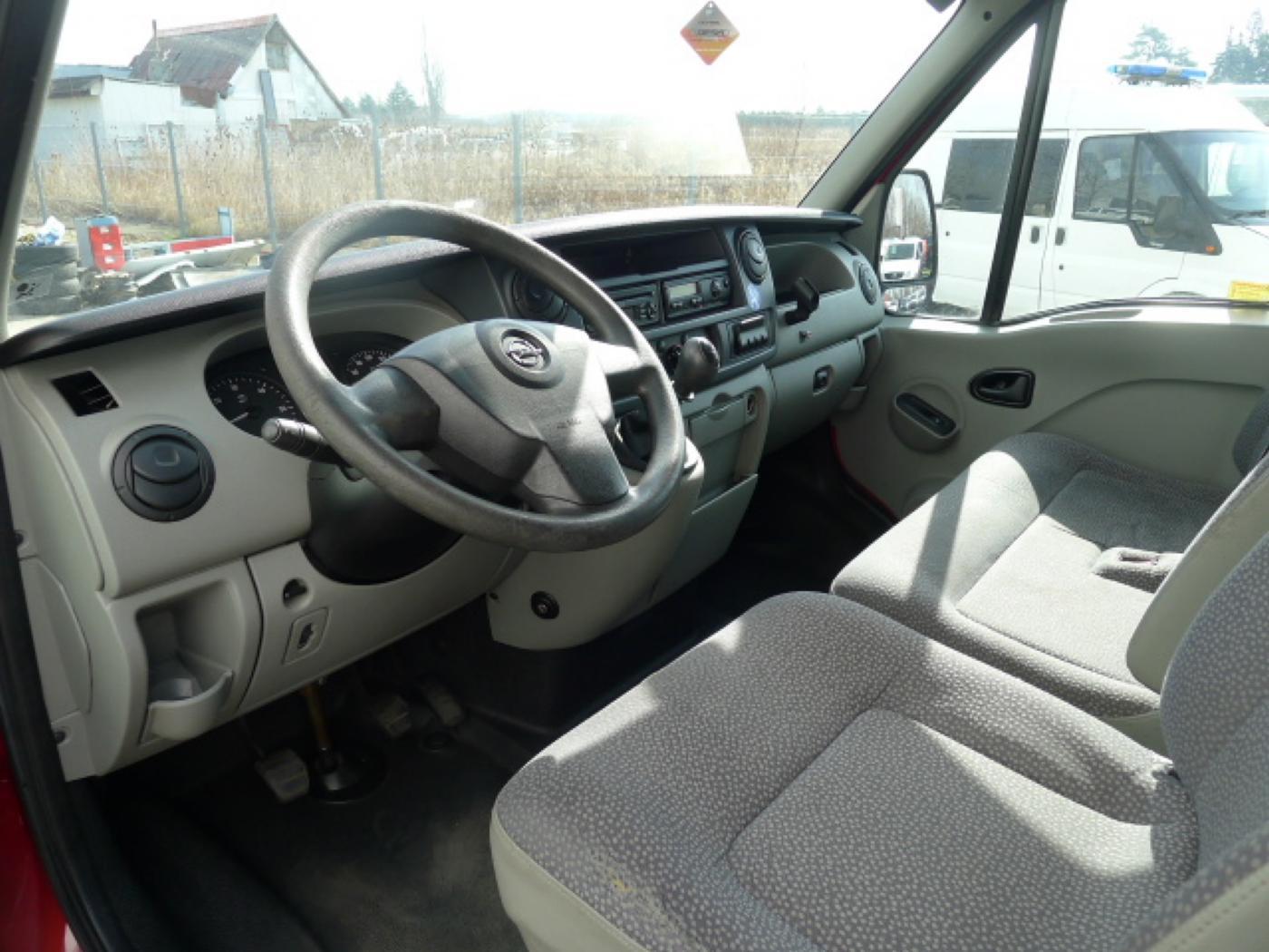 Opel Movano 2,5 CDTI 16míst+klima+webasto Novinka - 9