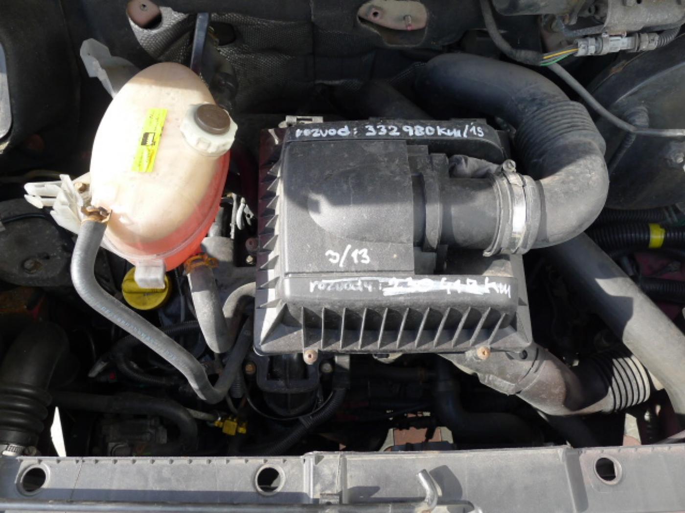 Opel Movano 2,5 CDTI 16míst+klima+webasto Novinka - 17