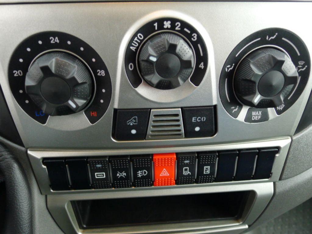 Iveco Daily 35S14 2,3HPI Maxi 6míst+klima Akce! Novinka - 11