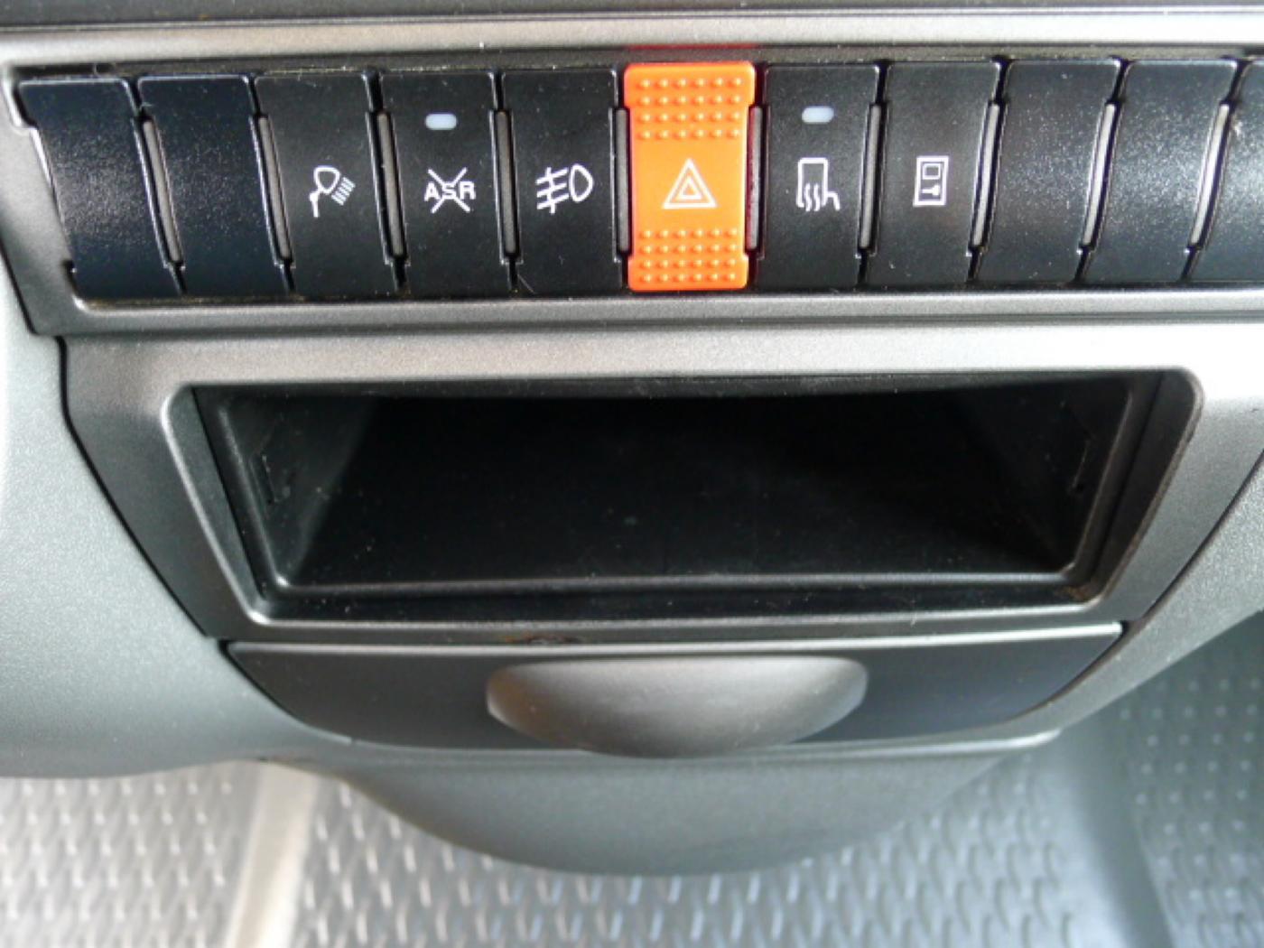 Iveco Daily 35S13 2,3HPI Maxi Klima+Kamera  Akc Novinka - 11